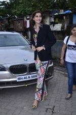 Sonam Kapoor at Mithibai college fest in Mumbai on 16th Aug 2014 (11)_53f09c246edc7.JPG