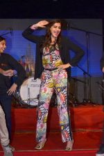 Sonam Kapoor at Mithibai college fest in Mumbai on 16th Aug 2014 (156)_53f09cefb4dc7.JPG