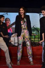 Sonam Kapoor at Mithibai college fest in Mumbai on 16th Aug 2014 (176)_53f09d0bdbf04.JPG
