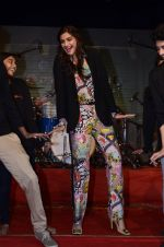 Sonam Kapoor at Mithibai college fest in Mumbai on 16th Aug 2014 (177)_53f09d0d36f34.JPG