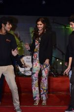 Sonam Kapoor at Mithibai college fest in Mumbai on 16th Aug 2014 (180)_53f09d1126b84.JPG
