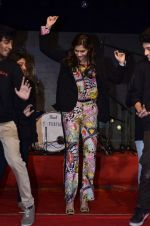Sonam Kapoor at Mithibai college fest in Mumbai on 16th Aug 2014 (181)_53f09d126bf7c.JPG