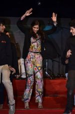 Sonam Kapoor at Mithibai college fest in Mumbai on 16th Aug 2014 (183)_53f09d1501d14.JPG