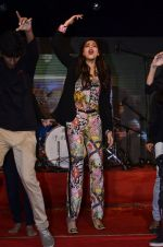 Sonam Kapoor at Mithibai college fest in Mumbai on 16th Aug 2014 (190)_53f09d1e54bdc.JPG