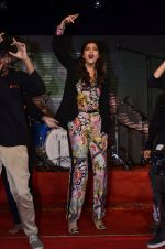 Sonam Kapoor at Mithibai college fest in Mumbai on 16th Aug 2014 (191)_53f09d1fa53c3.JPG