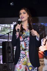 Sonam Kapoor at Mithibai college fest in Mumbai on 16th Aug 2014 (226)_53f09d4e304c8.JPG