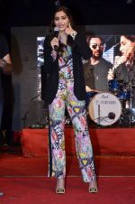 Sonam Kapoor at Mithibai college fest in Mumbai on 16th Aug 2014 (232)_53f09d56bec0d.JPG