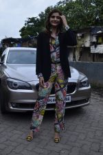 Sonam Kapoor at Mithibai college fest in Mumbai on 16th Aug 2014 (26)_53f09c3c10f52.JPG