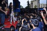 Sonam Kapoor at Mithibai college fest in Mumbai on 16th Aug 2014 (281)_53f09da30ff43.JPG