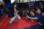 Sonam Kapoor at Mithibai college fest in Mumbai on 16th Aug 2014 (308)_53f09dc9e4c09.JPG