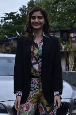 Sonam Kapoor at Mithibai college fest in Mumbai on 16th Aug 2014 (37)_53f09c4c81b5a.JPG