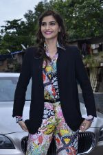 Sonam Kapoor at Mithibai college fest in Mumbai on 16th Aug 2014 (39)_53f09c4f70117.JPG