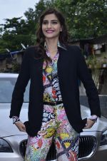 Sonam Kapoor at Mithibai college fest in Mumbai on 16th Aug 2014 (40)_53f09c50d09c2.JPG