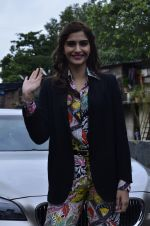 Sonam Kapoor at Mithibai college fest in Mumbai on 16th Aug 2014 (44)_53f09c562dabb.JPG