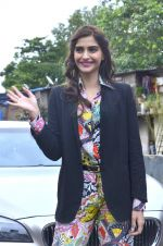 Sonam Kapoor at Mithibai college fest in Mumbai on 16th Aug 2014 (46)_53f09c58dff20.JPG