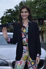 Sonam Kapoor at Mithibai college fest in Mumbai on 16th Aug 2014 (47)_53f09c5a36142.JPG