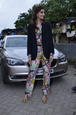 Sonam Kapoor at Mithibai college fest in Mumbai on 16th Aug 2014 (49)_53f09c5ce632e.JPG