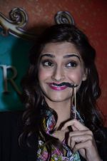 Sonam Kapoor at Mithibai college fest in Mumbai on 16th Aug 2014 (79)_53f09c86c060c.JPG