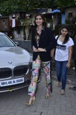 Sonam Kapoor at Mithibai college fest in Mumbai on 16th Aug 2014 (9)_53f09c21796f3.JPG