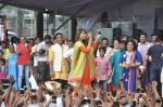 Bipasha Basu at Ram Kadam Dahi Handi in Mumbai on 18th Aug 2014 (94)_53f31066bfdb2.JPG
