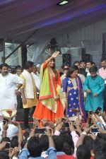Bipasha Basu at Ram Kadam Dahi Handi in Mumbai on 18th Aug 2014 (99)_53f3106cb1642.JPG