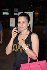 Ameesha Patel snapped at airport as she returns from Bangkok from a ad shoot in mumbai on 20th Aug 2014 (19)_53f5896f12b70.JPG