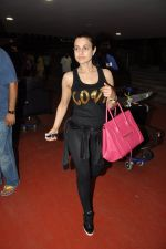 Ameesha Patel snapped at airport as she returns from Bangkok from a ad shoot in mumbai on 20th Aug 2014 (21)_53f58971aa540.JPG