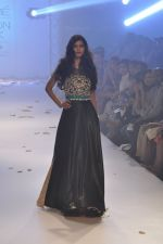 Diana Penty walk the ramp for Rocky S at Lakme Fashion Week Winter Festive 2014 Day 4 on 22nd Aug 2014 (20)_53f88c4b2a25b.JPG