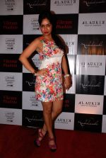 Kavita Verma at Vikram Phadnis bash in Olive on 23rd Aug 2014 (33)_53f9e4e7079e8.JPG