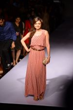 Drashti Dhami at Payal Singhal at LFW 2014 Day 5 on 23rd Aug 2014 (342)_53faf89021b29.JPG