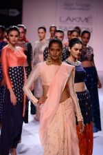 Model walk the ramp for Payal Singhal at LFW 2014 Day 5 on 23rd Aug 2014 (300)_53faf9d81cfda.JPG