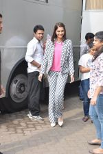 Sonam Kapoor on the sets of captain tao in Mumbai on 24th Aug 2014 (17)_53fafd466e4fd.JPG