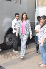 Sonam Kapoor on the sets of captain tao in Mumbai on 24th Aug 2014 (18)_53fafd479f9ff.JPG