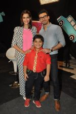 Sonam Kapoor, Fawad Khan on the sets of captain tao in Mumbai on 24th Aug 2014 (41)_53fafdcb081dc.JPG