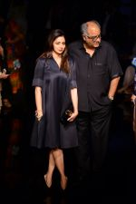 Sridevi, Boney Kapoor at Manish Malhotra at LFW 2014 Day 6 on 24th Aug 2014 (62)_53fb19e40e521.JPG