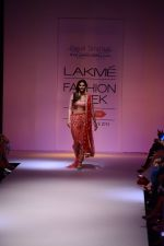 Vaani Kapoor walk the ramp for Payal Singhal at LFW 2014 Day 5 on 23rd Aug 2014 (295)_53faf8b5f0f33.JPG