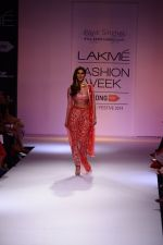 Vaani Kapoor walk the ramp for Payal Singhal at LFW 2014 Day 5 on 23rd Aug 2014 (297)_53faf8b842758.JPG