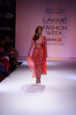 Vaani Kapoor walk the ramp for Payal Singhal at LFW 2014 Day 5 on 23rd Aug 2014 (299)_53faf8bb6544f.JPG