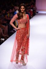 Vaani Kapoor walk the ramp for Payal Singhal at LFW 2014 Day 5 on 23rd Aug 2014 (320)_53faf8d28ecc7.JPG