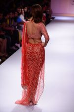 Vaani Kapoor walk the ramp for Payal Singhal at LFW 2014 Day 5 on 23rd Aug 2014 (323)_53faf8d61f762.JPG