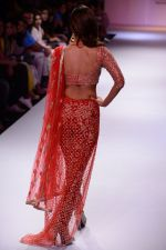 Vaani Kapoor walk the ramp for Payal Singhal at LFW 2014 Day 5 on 23rd Aug 2014 (324)_53faf8d74f236.JPG