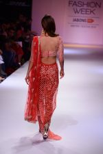 Vaani Kapoor walk the ramp for Payal Singhal at LFW 2014 Day 5 on 23rd Aug 2014 (328)_53faf8dc22096.JPG