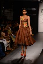 Model walk the ramp for Neha Agarwal at LFW 2014 Day 6 on 24th Aug 2014 (113)_53fc923929521.JPG