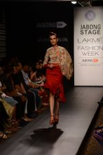 Model walk the ramp for Neha Agarwal at LFW 2014 Day 6 on 24th Aug 2014 (122)_53fc924462393.JPG