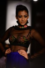 Model walk the ramp for Neha Agarwal at LFW 2014 Day 6 on 24th Aug 2014 (22)_53fc920529072.JPG