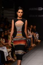 Model walk the ramp for Neha Agarwal at LFW 2014 Day 6 on 24th Aug 2014 (29)_53fc920c238a2.JPG