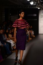 Model walk the ramp for Neha Agarwal at LFW 2014 Day 6 on 24th Aug 2014 (5)_53fc91ef3f0c0.JPG