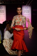 Model walk the ramp for Neha Agarwal at LFW 2014 Day 6 on 24th Aug 2014 (100)_53fc92297ec1c.JPG
