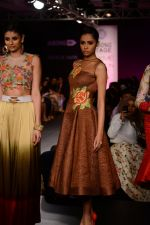 Model walk the ramp for Neha Agarwal at LFW 2014 Day 6 on 24th Aug 2014 (101)_53fc922b086bc.JPG