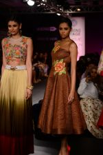 Model walk the ramp for Neha Agarwal at LFW 2014 Day 6 on 24th Aug 2014 (102)_53fc922c18bb9.JPG